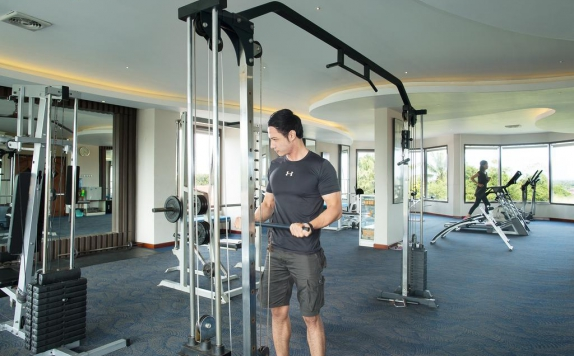 Gym and Fitness Center di Grand Kecubung Hotel