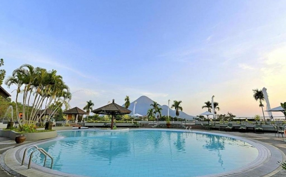 Swimming Pool di Grand Trawas Hotel