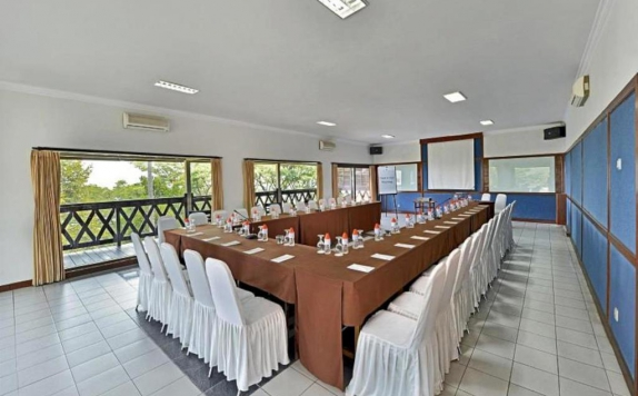 Meeting Room di Grand Whiz Hotel Trawas Mojokerto
