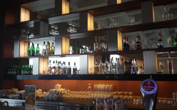 Bar di Grand Zuri BSD City