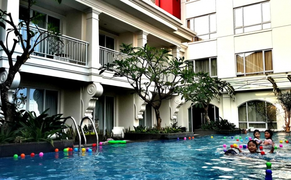 Swimming Pool di Grand Zuri BSD City
