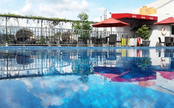 swimming pool di Grand Zuri Muara Enim