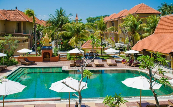 Swimming Pool di Green Field Hotel and Restaurant