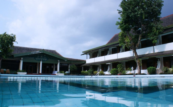 Swimming pool di Griyadi Kusuma Sahid Solo