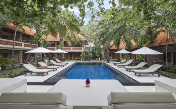 Swimming Pool di Griya Santrian Resort & Villas