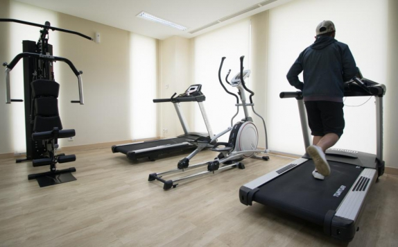 Gym di GTV Hotel and Service Apartment