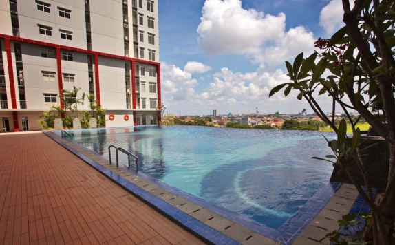 swiming pool di Gunawangsa Merr Surabaya