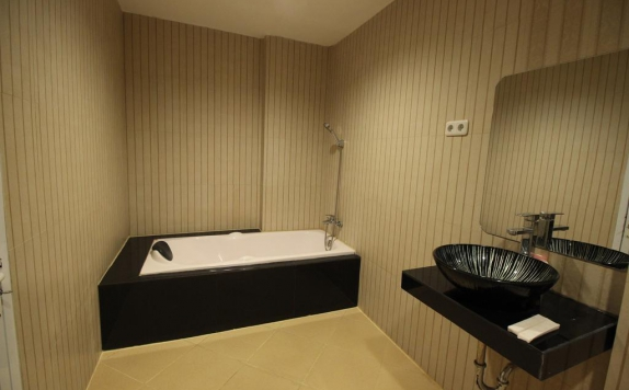 Bathroom di Hannah Hotel Syariah Painan