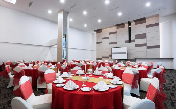 Meeting room di Harper Palembang
