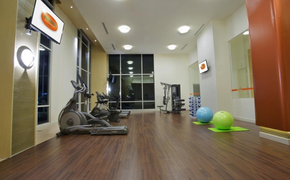 Gym center di Harris Hotel and Convention Bekasi