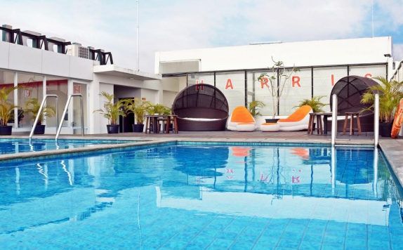 Swimming Pool di Harris Pontianak