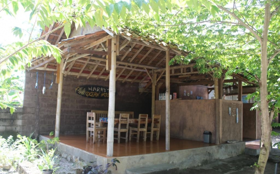 Restaurant di Harry's Ocean House Watukarung