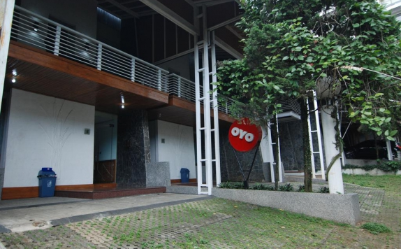 Front view di Hi-Quality Guest House