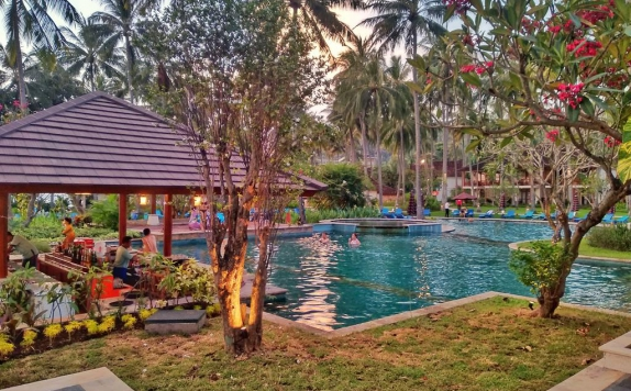 Eksterior di Holiday Resort