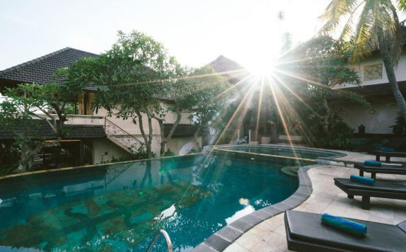 Swimming Pool di Honeymoon Guesthouse
