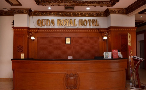 Receptionist di Horison Express Quds Royal Hotel