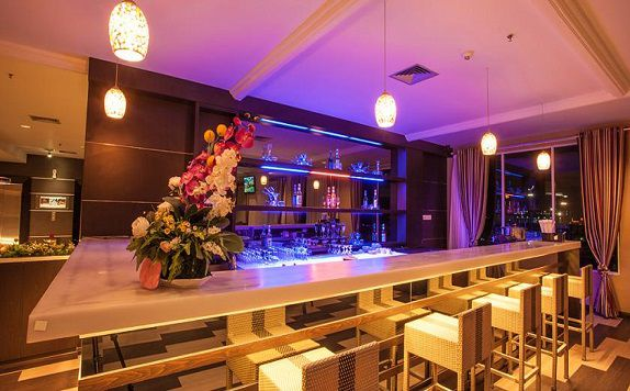 Bar and Lounge di Horison Ultima King's Batam (formerly King's Hotel Batam)