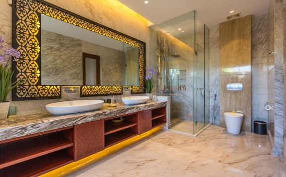 Bathroom di Nagisa Bali Easy Living Villas