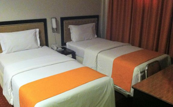 Twin Bed Room Hotel di Hotel New Rachmat