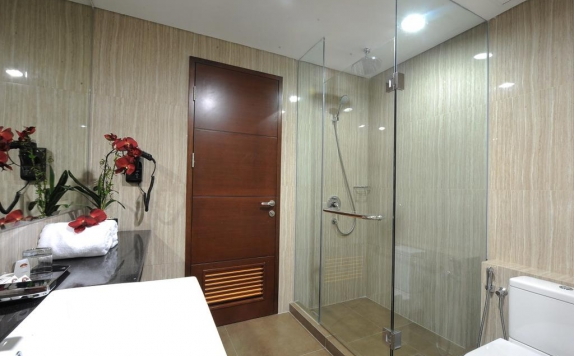 Bathroom di Hotel Permata