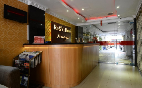 Receptionist di Hotel RO&VI Boutique
