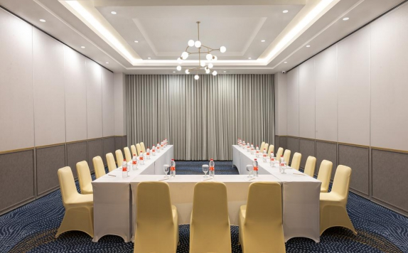 Meeting room di Hotel Santika Pasir Koja
