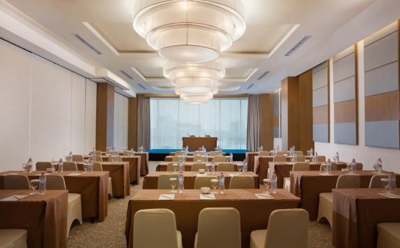Meeting Room di Hotel Santika Radial Palembang