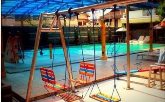 Swimming pool di Hotel Trio