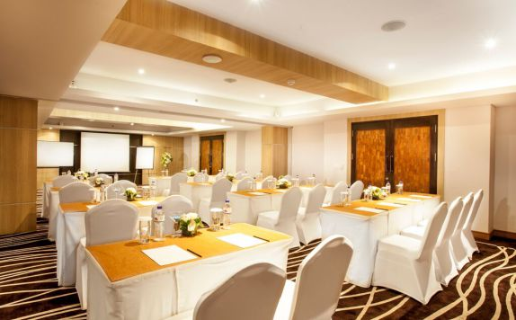 Meeting Room di H Sovereign Bali