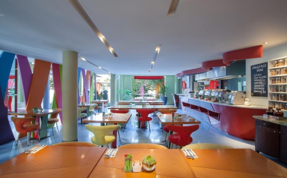 Restaurant di Ibis All Seasons Resort