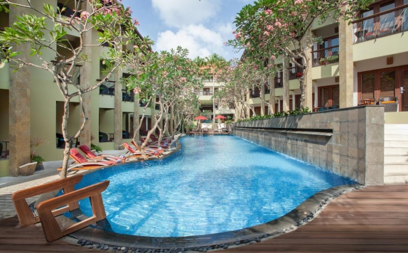 swiming pool di Ibis All Seasons Resort