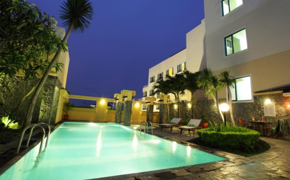 Swimming pool di Ibis Malioboro
