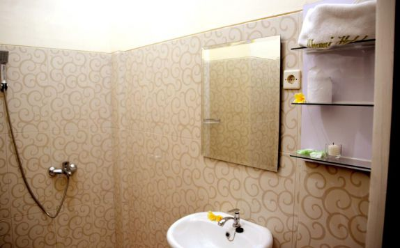 Bathroom di Ilhami Hotel