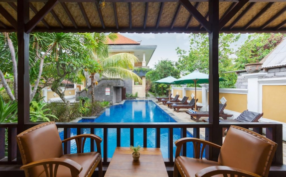 Swimming Pool di Inata Hotel Monkey Forest Ubud