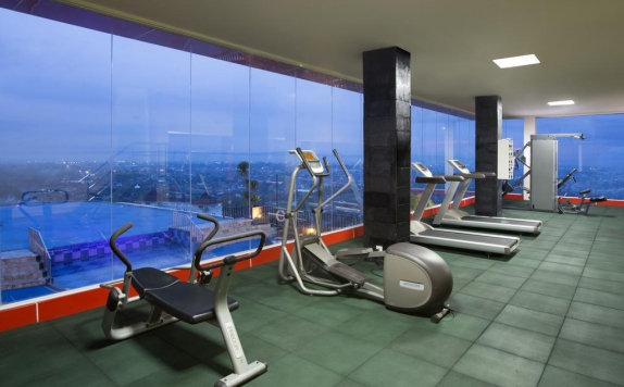 Gym and Fitness Center di Indoluxe Hotel