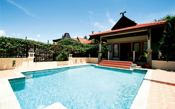 SwimmingPool Hotel di Istana Pool Villas & Spa