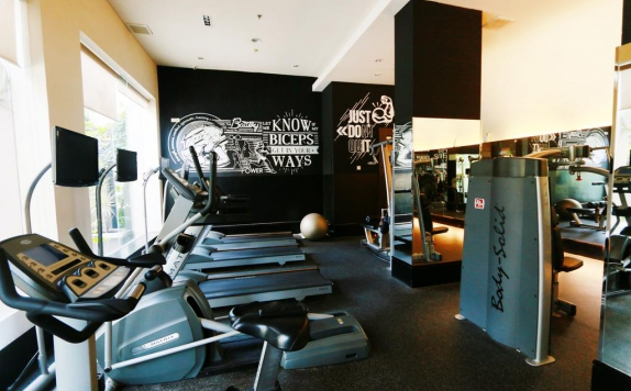 Fitness Center di Java Paragon Hotel & Residence