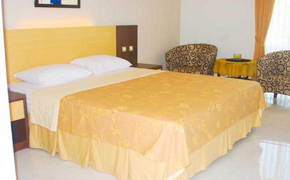 Double Bed di Jeng Ratu Hotel