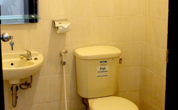 bathroom di Jesen's Inn 2