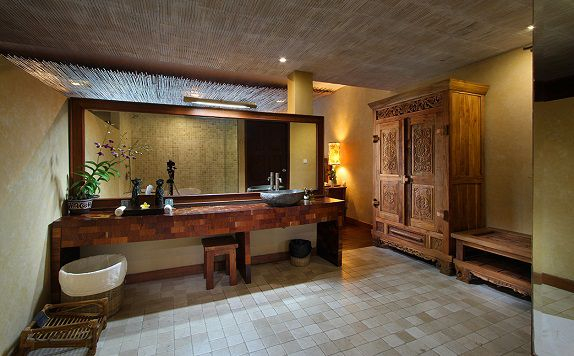 BathRoom 1 di Jungle Retreat Ubud (Formerly Jungle Retreat Kupu Kupu Barong)