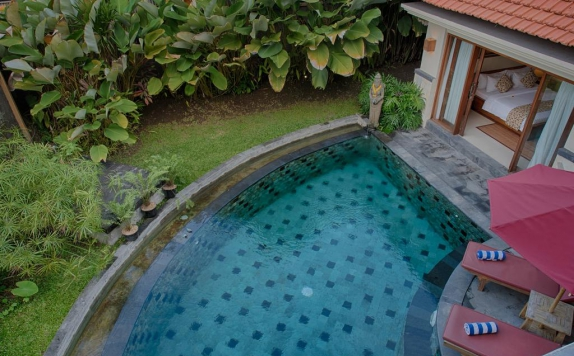 Outdoor Pool Hotel di Kadiga Villas Ubud