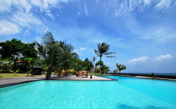 swiming pool di Kajane Tulamben Villas