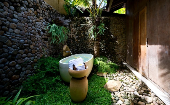 Bathroom di Kalapa Boutique Resort and Spa