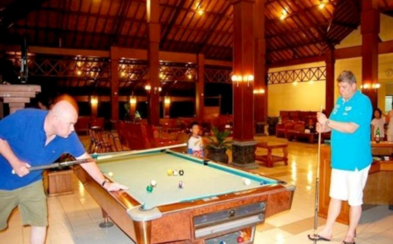 Billiard di Kalibaru Cottage
