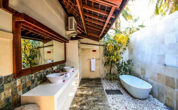 Bathroom di Kelapa Luxury Villa