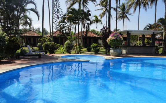 swimming pool di Kuta Indah
