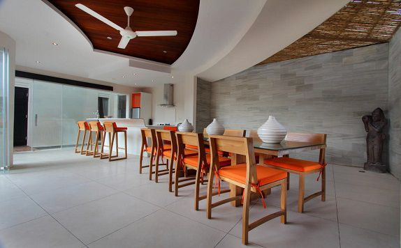 Dining Table di K Villas by Premier Hospitality Asia