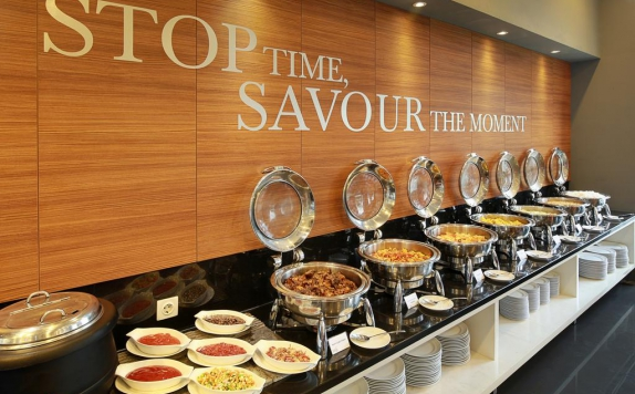 Food and Beverages di Kyriad Hotel Airport Jakarta