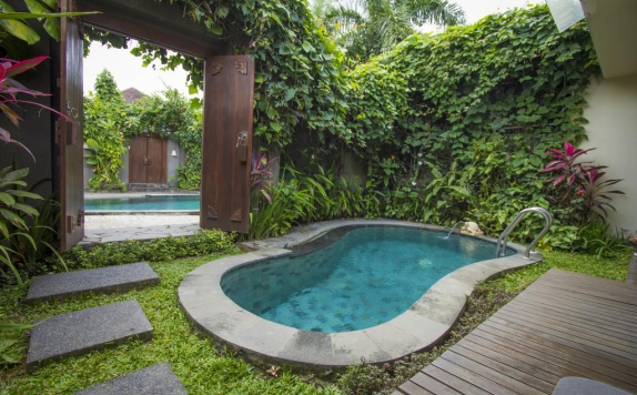 Swimming Pool di Ladera Villa Ubud
