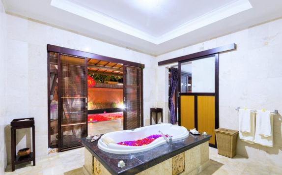 bathroom di Lavender Villa & Spa